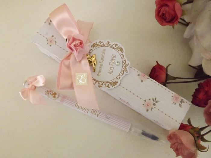 Para comemorar a primeira eucaristia ,Ana Flávia escolheu lindas canetas  personalizadas com caixa e marcadores de livro com oração de São  Francisco,tudo nos ...